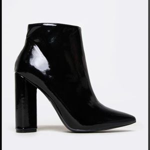 Black , patent, pointed toe Qupid booties